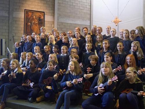 schoolkoor en muziekatelier